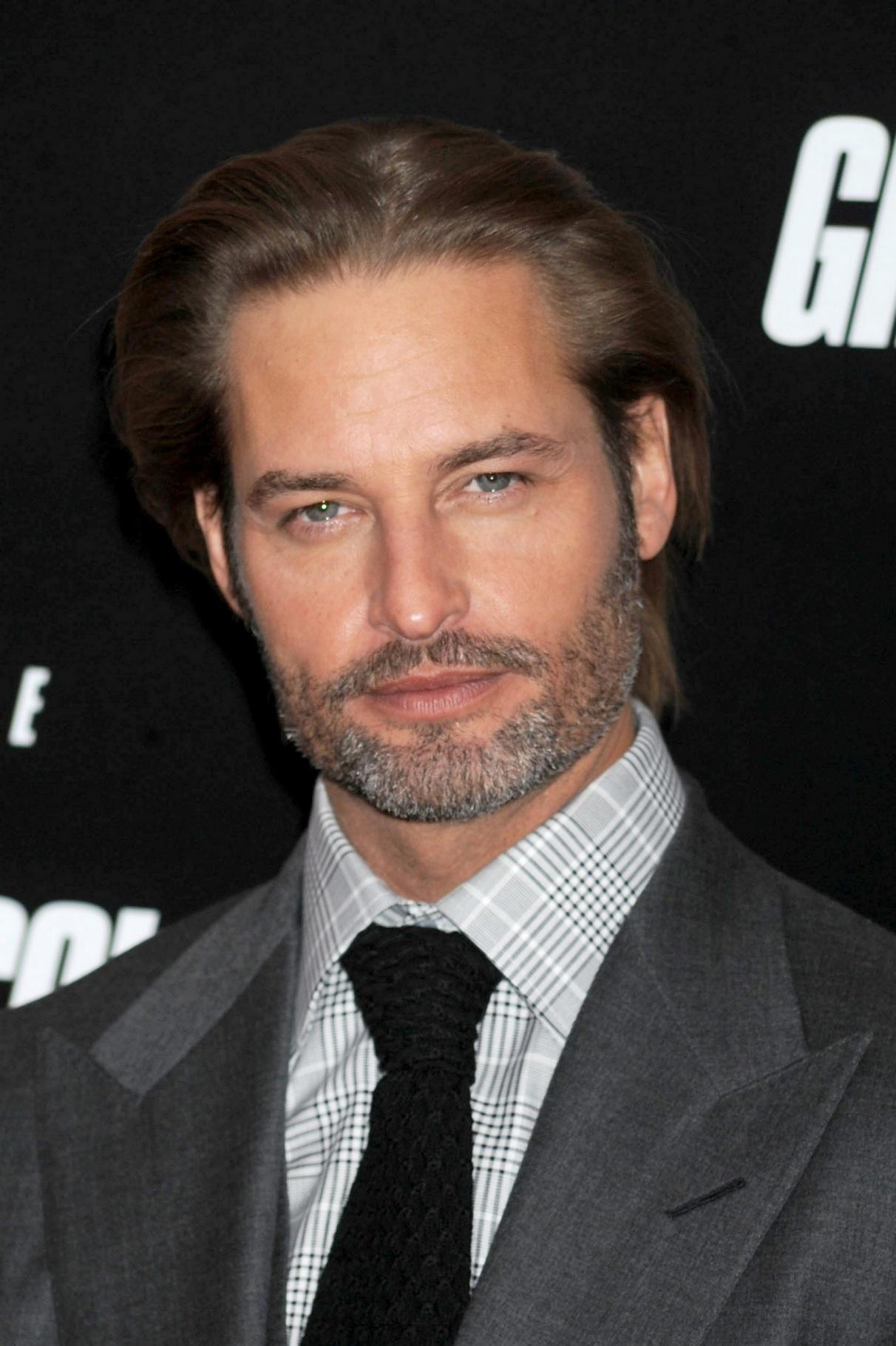 Mission Impossible Ghost Protocol Premiere December Th Josh Holloway